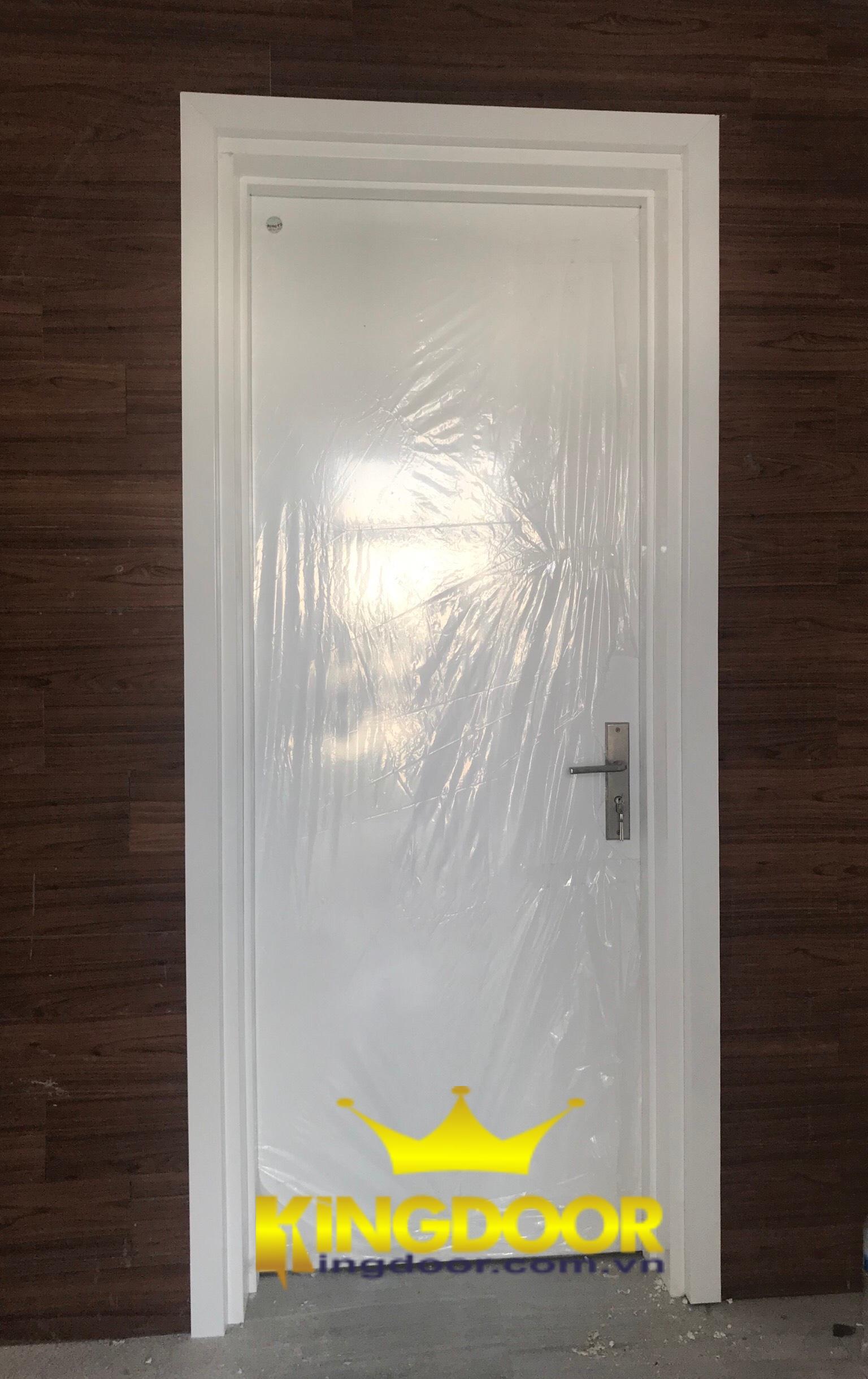 Mẫu cửa nhựa Compoisite sơn PU trắng ôm tường dày đến 250mm.